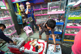Unidentified seller shop at Chatuchak Weekend Market in Bangkok, Thailand. — Stock Photo