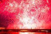 празднование алые паруса показать во время фестиваля белые ночи — Стоковое фото