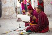 Pilgrims circle stupa Boudhanath — Stock Photo