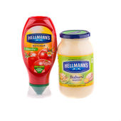 Hellmann's mayonnaise and ketchup — Stock Photo