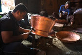 Nepalese tinmans working — ストック写真
