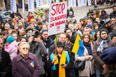 Unidentified participants during demonstration on Main Square in Krakow — Foto Stock