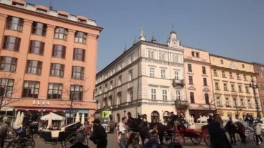 St.Mary's Church in historical center of Krakow. — Vídeo Stock