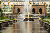 Peterhof Grand Cascade in St. Petersburg, Russia. — Stock Photo