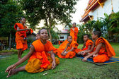 Child spend a monk at a Buddhist monastery Wat Klong Prao — Stok fotoğraf