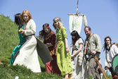 Participantes no identificados de rekawka - tradición polaca — Foto de Stock