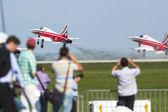 Demonstração acrobática durante a exposição internacional aeroespacial ila berlim ar mostrar-2014 — Fotografia Stock