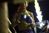 Unidentified Muaythai fighter in ring during match — Stockfoto
