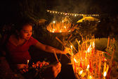 Unidentified local people during the celebration Buddhist festival — Foto Stock