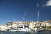 Marina of Poros, is a Greek island in southern part of Saronic Gulf — Stockfoto