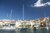 Marina of Poros, is a Greek island in southern part of Saronic Gulf — Foto de Stock
