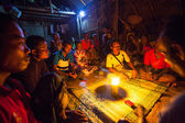 Unidentified people Orang Asli during a ceremonial dinner — Stok fotoğraf