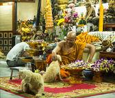 Unidentified monk master Yantra Tattoos at Wat Bang Phra — Stock Photo