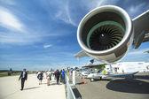 Avión emirates airbus a380 — Foto de Stock