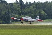 Två-placera jet flygplan aviacion ha-200 — Stockfoto