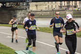 Participants pendant le marathon annuel de cracovie. — Photo