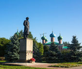 Monument to Vladimir Lenin in Tikhvin — Stock Photo