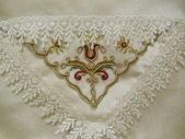 Close-up. eine orientalische servietten mit stickerei und spitze. — Stockfoto