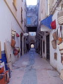 One of narrow streets in Medina (old historical part of the town).Essaouira, Morocco. January, 2013. — Stockfoto