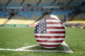 Pallone da calcio usa sul campo di calcio — Foto Stock