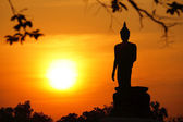 Buddha statue of sunset in thailand — Stockfoto