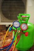 Reparación de aire acondicionado — Foto de Stock