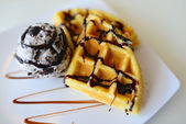 Waffle and ice cream — Stock Photo