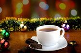 Thé avec des sucreries sur le nouvel an — Photo