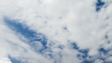 Clouds on blue sky time lapse — Stock Video