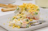 Spanische Küche. russischer Salat. Ensaladilla rusa. — Stockfoto
