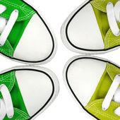 Spor ayakkabısı yeşil ve yeşil ışık — Stok fotoğraf