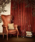 Eski odası perdeleri ve üzüm — Stok fotoğraf