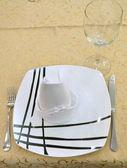 Mesa de restaurante sirve — Foto de Stock