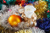 Santa claus with bauble — Stockfoto
