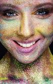 Süslü makyajlı bir kadın portresi — Stok fotoğraf