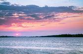 美丽的日落的 lake.hdr 高动态范围 — 图库照片
