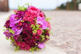 Bridal wedding bouquet of flowers — Stock Photo