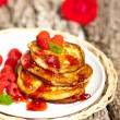 Pancakes with raspberries — Stock Photo #31228513