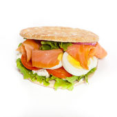 Panino di salmone affumicato — Foto Stock