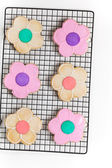 Sugar cookies shaped like flowers — Stock Photo