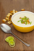 A bowl of Leek and Potato soup — Stock Photo