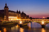 Paris by night — 图库照片