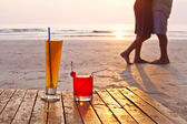 Cocktails on the tropical beach — Stock Photo