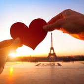 Loving couple in Paris — Stock Photo