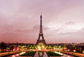 Eiffel Tour on sunrise — Stock Photo