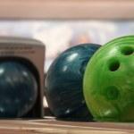 Постер, плакат: Bowling balls