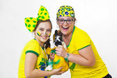 Brazilian family supporters and rabbit — Stockfoto
