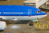 Boeing 737 on ramp — Stock Photo
