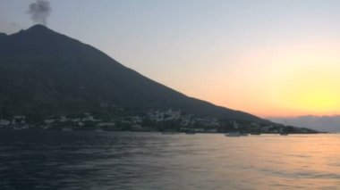View of the Stromboli volcano over the sea, Italy — Stock Video