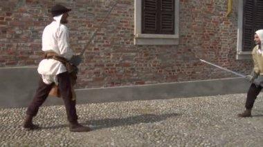 Medieval sword duel — Stock Video